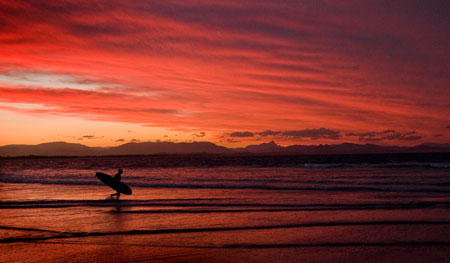 Surfing-Byron-Bay